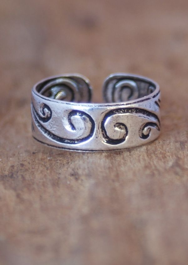 Karma East - Silver Squiggles Toe Ring