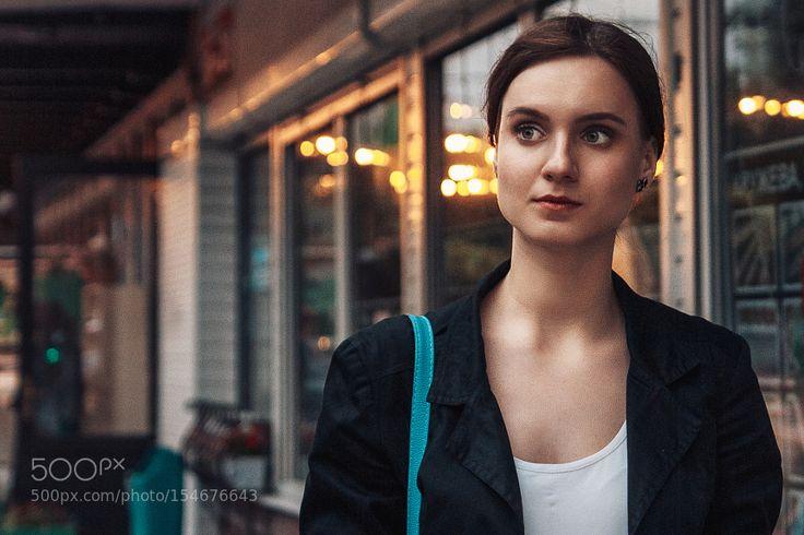 Портрет девушки на улице by mikalai_m