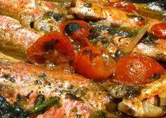 Ricetta triglie al cartoccio pugliesi. Una ricetta particolare per preparare le triglie mantenendo il sapore del pesce e l'odore del mare