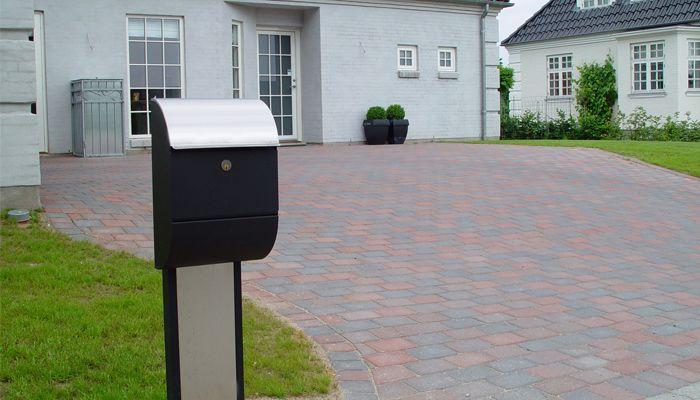 Allux brievenbus 3000 met 1001 statief in zwart met RVS.