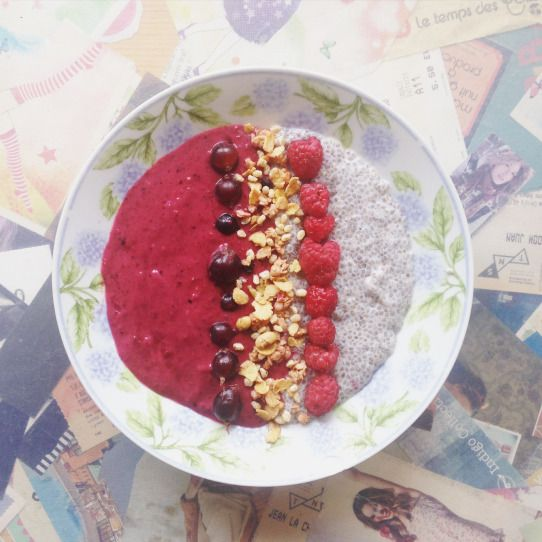 Smoothie and chia seeds bowl - Vitamine & Gourmandise
