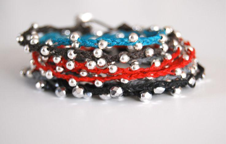 Irish Linen beaded braceletBracelets Tutorials, Wraps Bracelets, Beads Bracelets, Videos Tutorials, Braids Bracelets, Diy Bracelets, Irish Linens, Linens Wraps, Friendship Bracelets