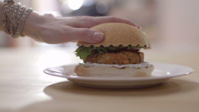 Burger au saumon | Cuisine futée, parents pressés