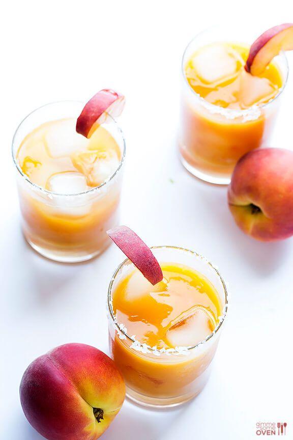 Fresh Peach Margaritas   gimmesomeoven.com #cocktail