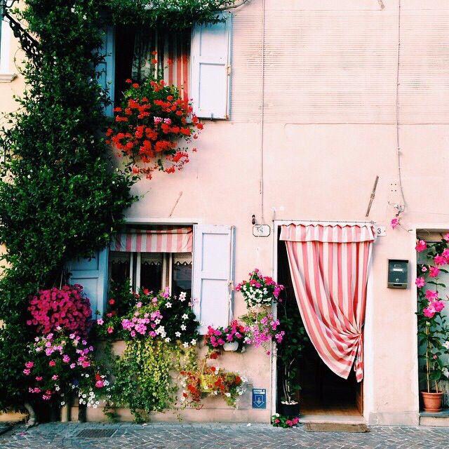 Pastelltöne in Italien im Frühling
