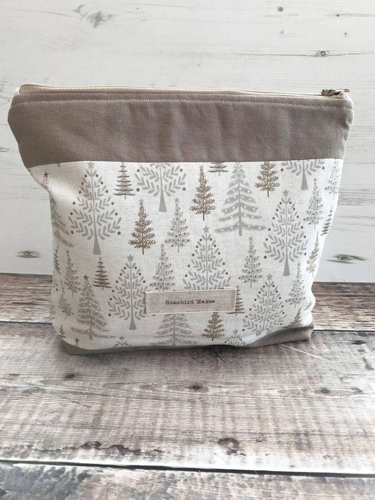 Christmas project bag, Christmas trees, Make up bag, Knitting bag, Craft storage, Womens Gifts, Winter project bag, Zipper bag, Christmas