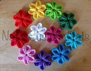 Ravelry, #crochet, free pattern, flower, embellishment, #haken, gratis patroon (Engels), bloem, decoratie, #haakpatroon
