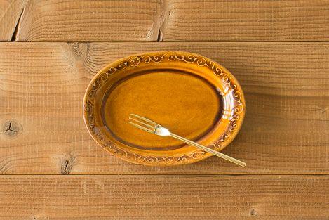 楕円小皿 飴色 豊田雅代 友人のお店で扱ってます。 http://hareirohareya.com/