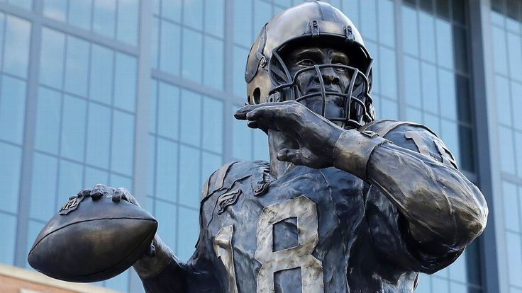 The Indianapolis Colts unveiled a statue of Peyton Manning, the best quarterback of all time, outside Lucas Oil Stadium on Saturday in a ceremony that featured remarks from former coach Tony Dungy, former executive Bill Polian and NFL commissioner Roger Goodell.