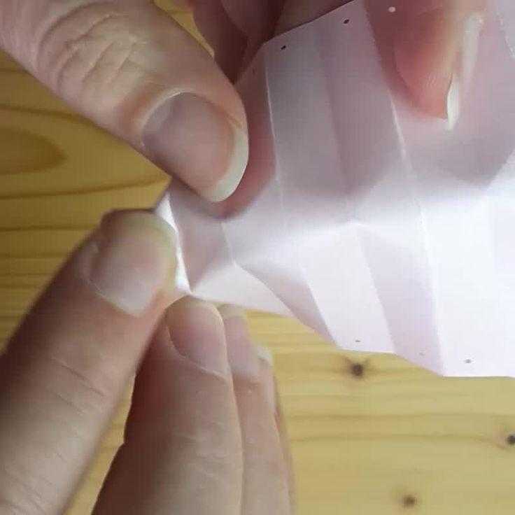Plisseesterne basteln – Anleitung & Vorlage