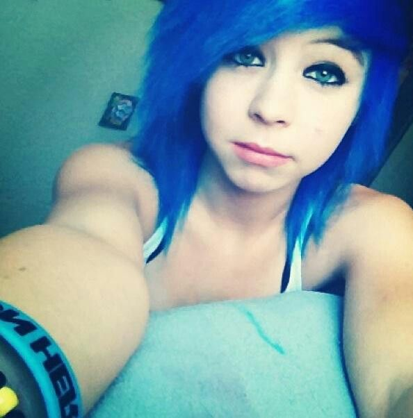 emo girl blue hair