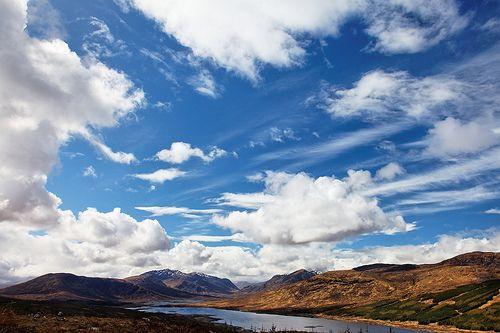 [フリー画像] 自然・風景, 空, 雲, 山, スコットランド, 201005150300