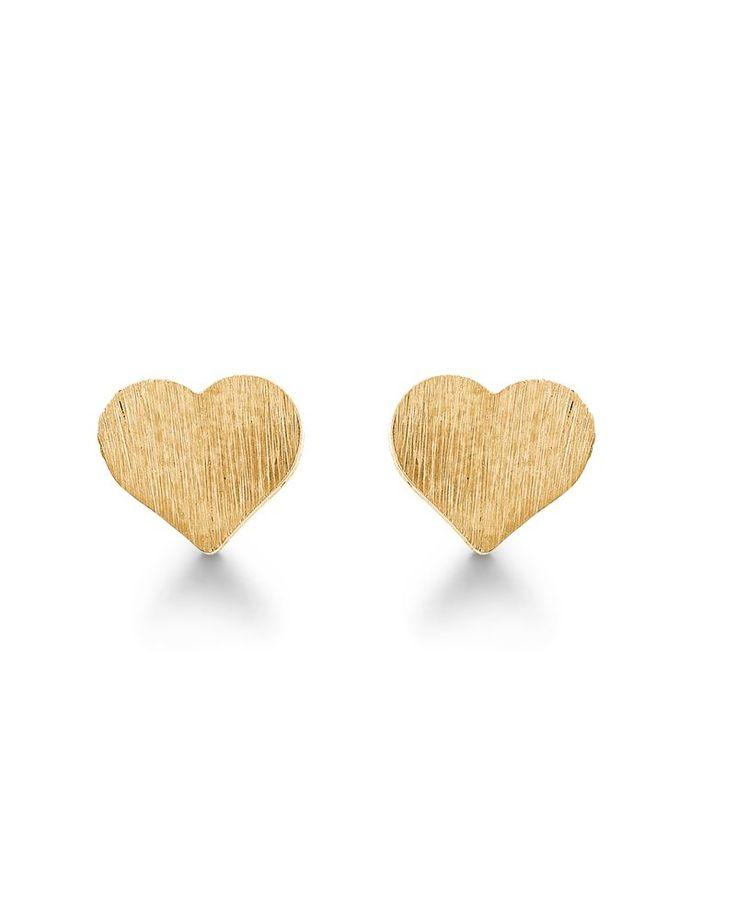Forgyldte ørestikker og øreringe. Disse hjerteørestikker er fra byaagaard.com