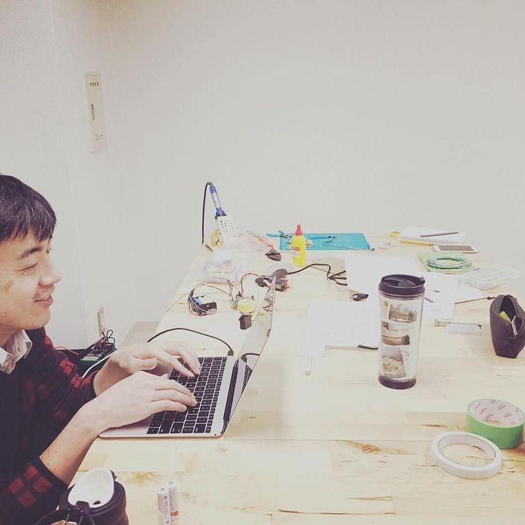 現在SmartLockのアプリ開発に取り組んでいますスマホでシンプルに鍵の開閉と作動ログを時系列に閲覧することができます  デザインも心地の良いものを目指し誠意作成中です  #web #webdesign #iot #development #application #app #design #iphone #android #mobile #ui #ux #digital #japan #cosmoway #スマホ #アプリ #デザイン #便利 #鍵 #開けゴマ #甲府 #山梨 #日本 #感動 by cosmoway_inc