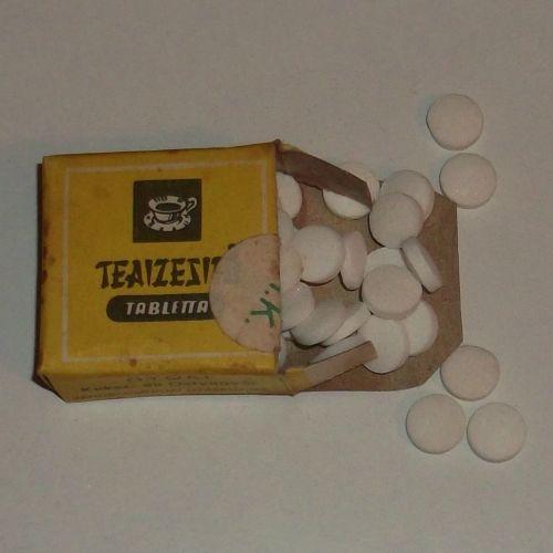 Teaízesítő tabletta