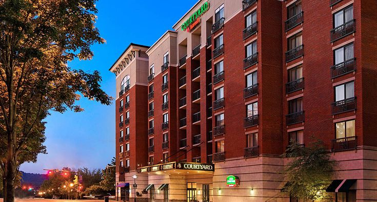 Chattanooga Hotels | Courtyard Chattanooga Downtown - This is a Marriott hotel that has a 1 bedroom suite!