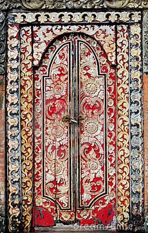 las puertas para adentrarse en el corazón de MARRUECOS...MAY BE.
