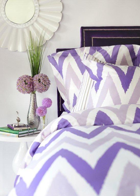 chevron + purple bedding? love it!