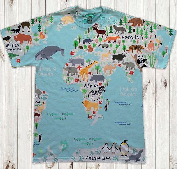the animals world map print MAN'S PRINT T SHIRT by Hellominky