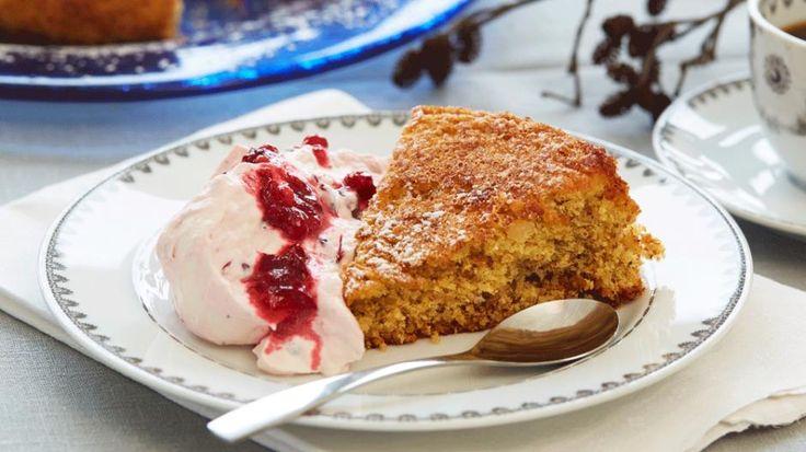 Mandelbrød (kake) Glutenfri og melkefri (med tyttebærkrem eller med sesongens bær og is.)