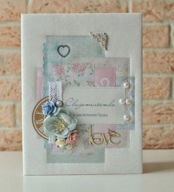 Свадебная папка — нежно и стильно. Фото с сайта jkdesignstudio.blogspot.com