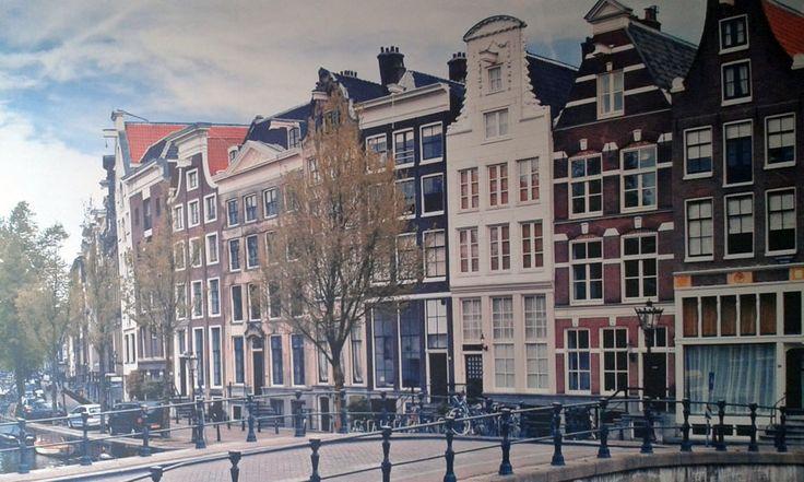 Фотообои Амстердам во всю стену, разработка, печать и оклейка