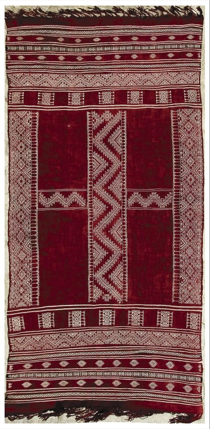 "Africa | Berber woman's shawl ~ ""Bakhnug"" ~ from the Ghomrassen region of Tunisia 