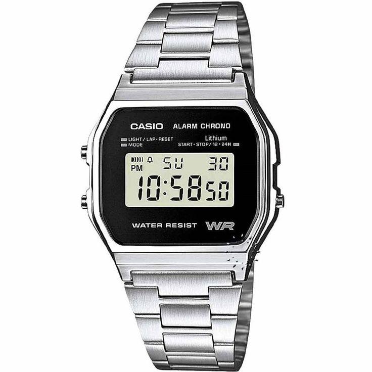 Ένα ωρολόι της Casio από ανοξείδωτο ατσάλι με αυτόματο ημερολόγιο, χρονόμετρo, ξυπνητήρι.