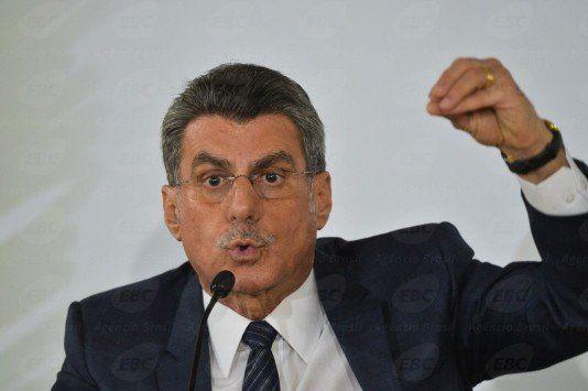 Jucá lê relatório favorável à reforma trabalhista na CCJ do Senado - http://po.st/uuLtuv  #Política - #CCJ, #Jucá, #Reforma