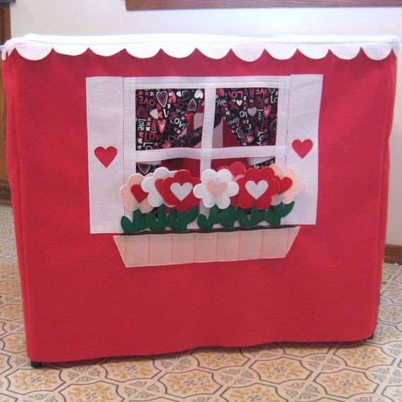 """Pickable"" flowers! Curtains can be opened and closed!"