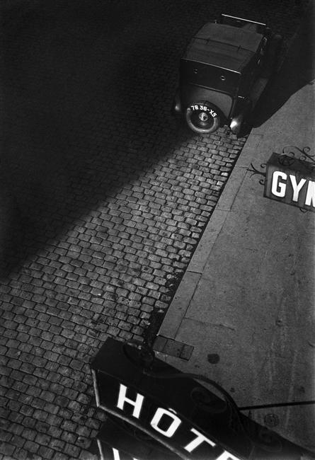 Taxi, rue Le Brun, Paris, 1927 by Bovis Marcel http://yama-bato.tumblr.com/post/3616894321/taxi-rue-le-brun-paris-1927-auteur-bovis