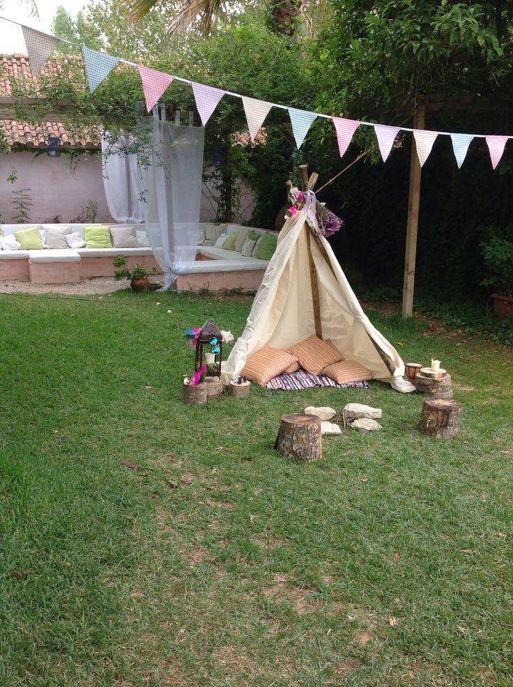 'hippy-chic' photo booth at wedding at the Quinta do Hespanhol #QuintaDoHespanhol #DestinationWeddings #VintageWeddings