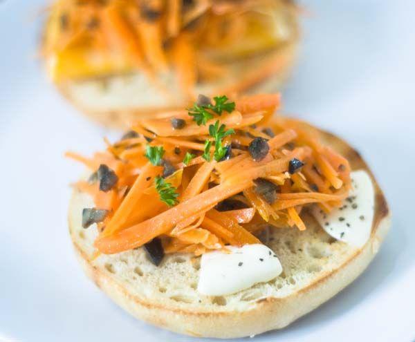 人参のオリーブドレッシングサラダ&ベーグルサンド | 美肌レシピ bagel with carrots, oilve salad dressing