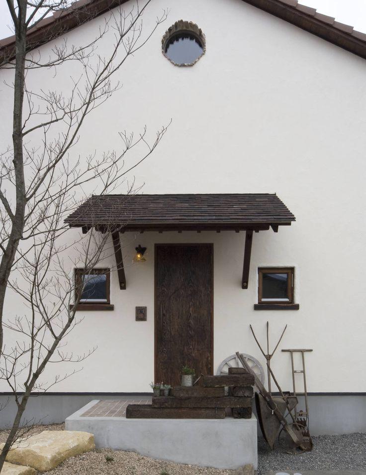 アンティークな新築住宅 ラフェルム: 株式会社香瑛住研 - ラフェルム岐阜・名古屋が手掛けたクラシック家です。
