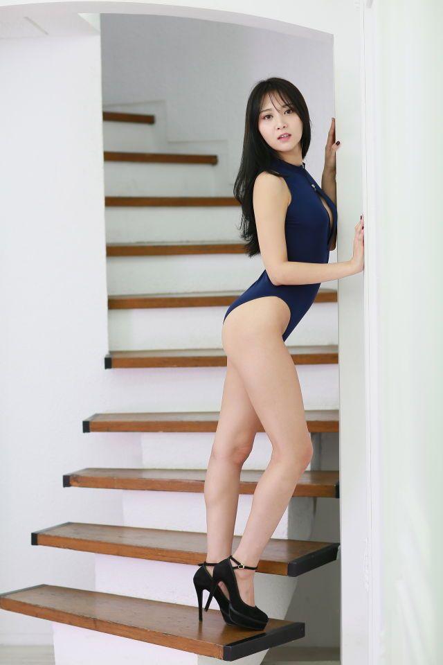 Gorilla spank girls ass