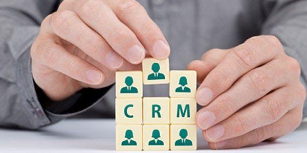 O que é CRM?  Tenha o seu GRATUITO    Se você trabalha com vendas ou marketing, provavelmente já ouviu por aí essa abreviação de três letras. Talvez, até ...