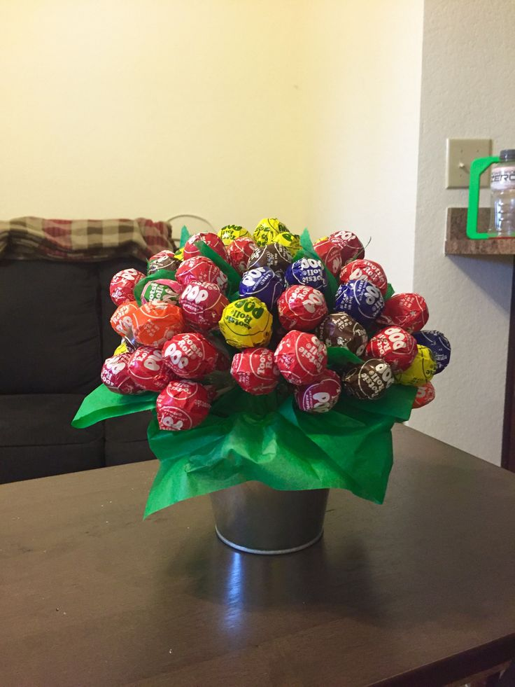 Tootsie Roll Sucker Bouquet