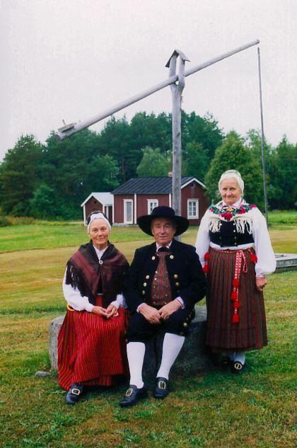 Folk Costumes Petolahti ( Petalax swe ) Ostrobothnia province of Western Finland.- Pohjanmaa - Österbotten