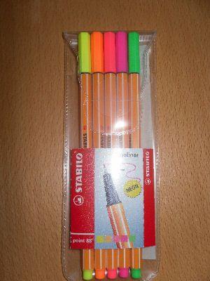 Ohutkärkiset neonväriset Stabilot (esim. citymarketissa 2,5€)