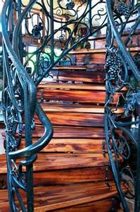 Love the wood color: Irons Staircases, Wood Colors, Stairs Step, Stairs Cases Gorge, Irons Stairs, Architecture, Staircases Railings, Hardwood Staircases, Wood Stairs
