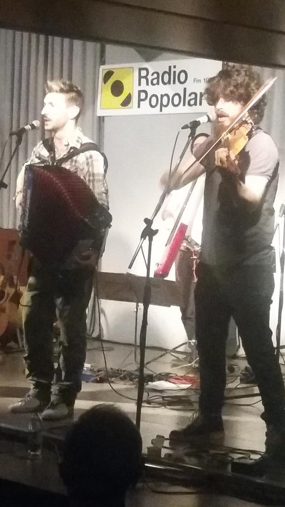i #luf in concerto a @radiopopmilano. e qui trovate anche le chiavette di #autistsmoravo