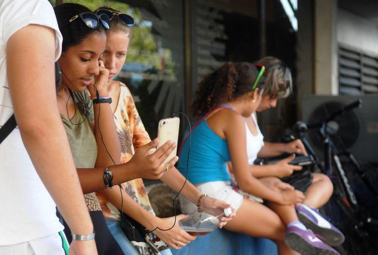 #Cuba: El MININT desarticula en Villa Clara dos redes dedicadas al robo de saldo en zonas #WiFi