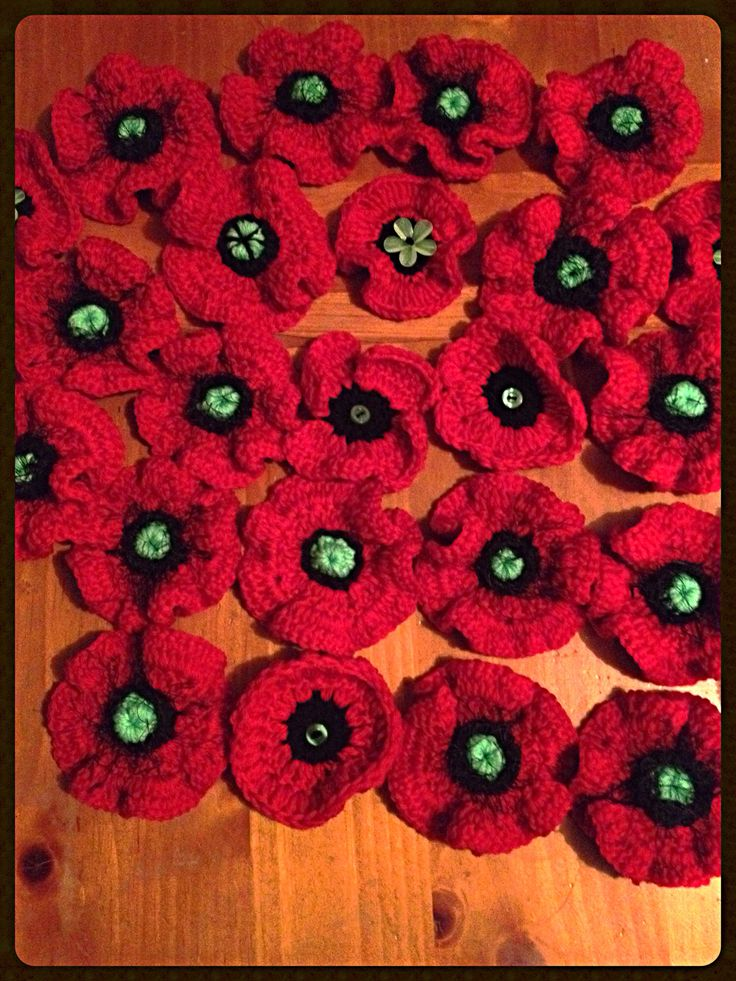 A sample of some of the poppies I am making for 2 separate projects which will mark 100years passing since the start of ww1. The aim is for 1 poppy for every soldier lost to be on display in remembrance . The 5000 poppies project will tour war memorials around nz and the patriots calling to yarn project will have 19000 poppies on display at Waiouru army museum by 2018.
