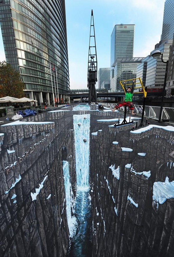 largest 3-D art ever in england3D Street Art, Sidewalk Art, Joe Hills, 3D Drawing, Pavement Art, World Records, 3D Art, 3Dart, Streetart