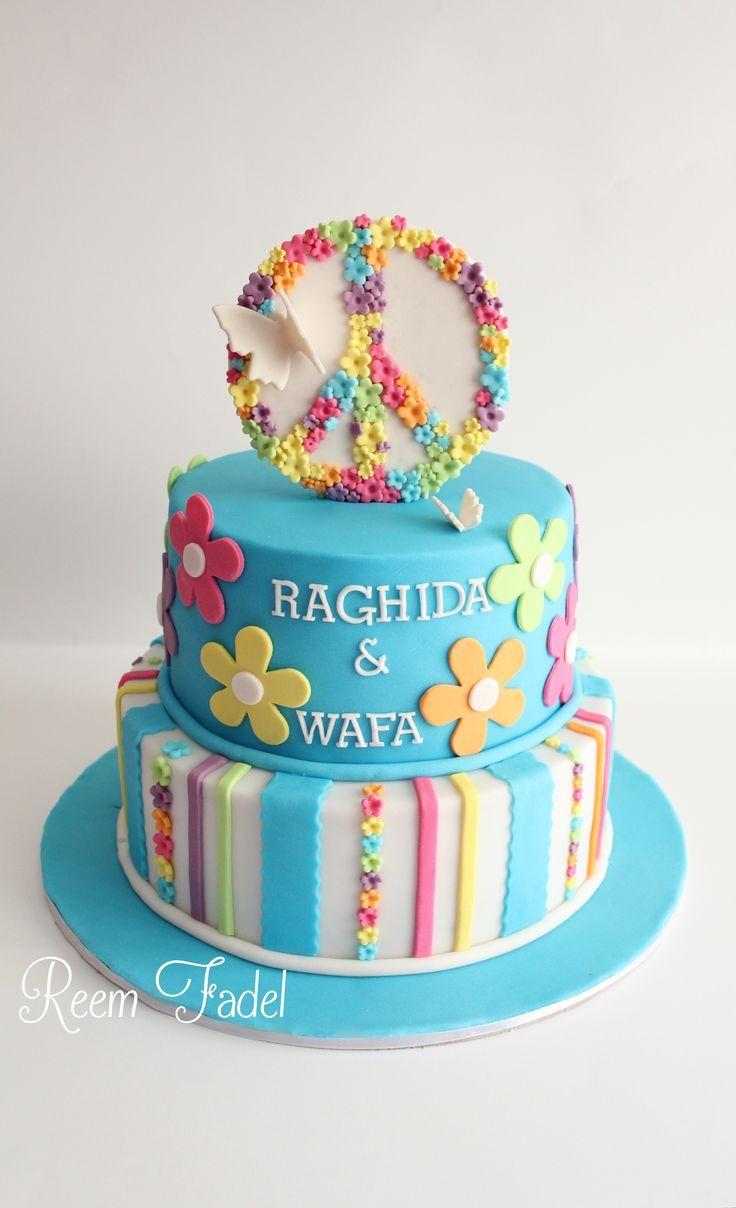 Torta con simbolo de paz y flores