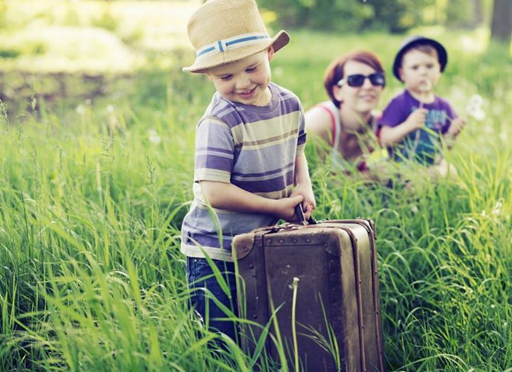 Fuel your children's interest in science this summer. Discover great family vacation destinations and fun local activities in this idea-packed article by a mom of four curious kids.  http://snip.ly/bjcsf