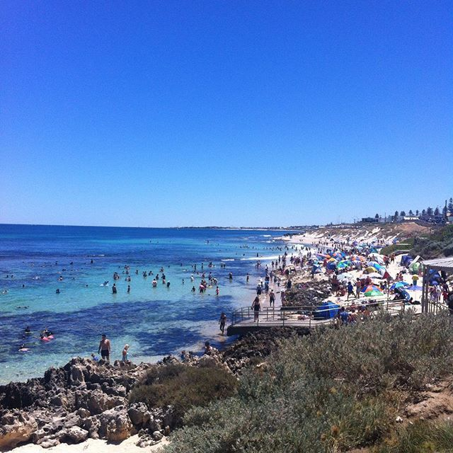Hailed as one of the best snorkeling destinations around Perth, Mettam's Pool is a delightful treat for first time snorkelers, families with kids, and anyone who would like to discover the world of underwater species while wading in crystal clear, waist-deep waters.