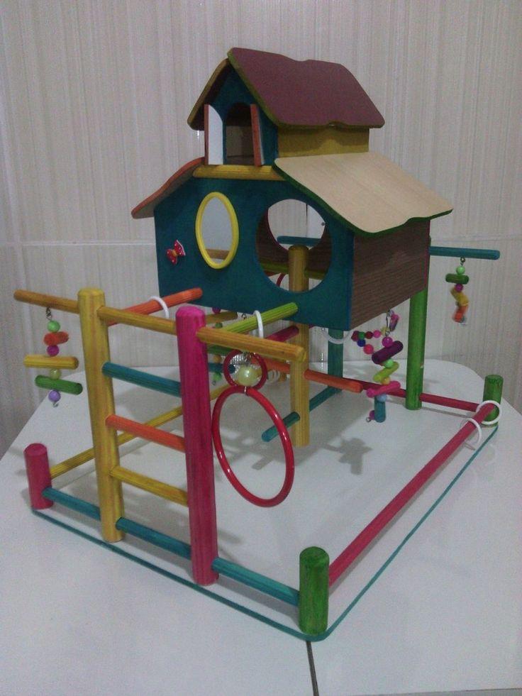 Play casa grande, esse play é dupla face , então por onde a calopsita entrar vai encontrar uma diversão <br>Em madeira e pintura atoxica.