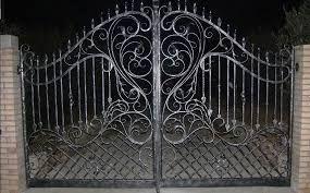 Imagini pentru porti din fier forjat