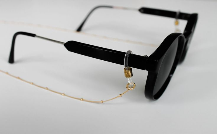 Sunglass gold chain is an essential Summer accessory